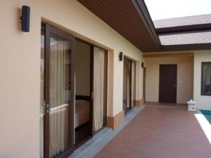 Ref: Private 3 Bedrooms Price 280,000 Euros